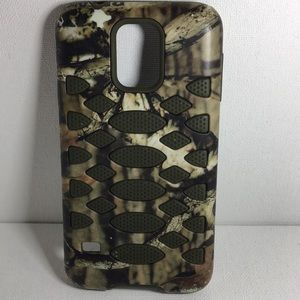 Other - Samsung Galaxy S5 Rugged Fuse Camo Case